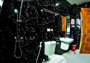 picture 3 of 413 Suites Superior Room
