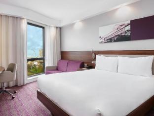 Hampton by Hilton London Waterloo - London Hotels