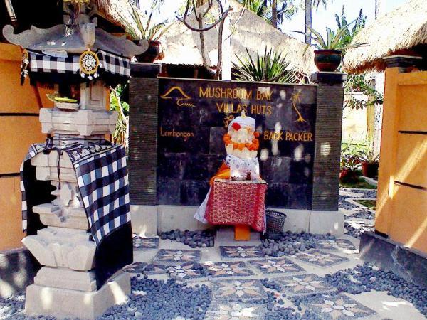 Mushroom Bay Villas Hut Bali