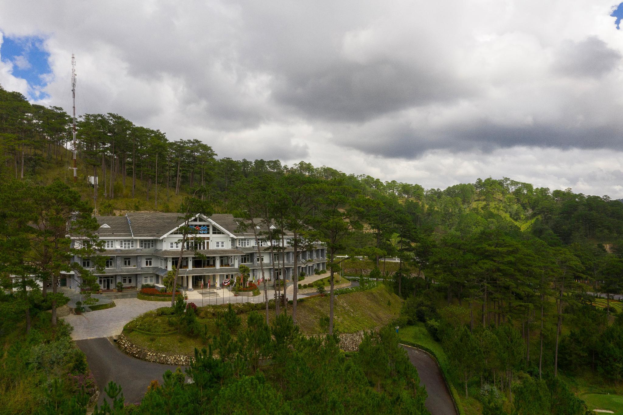 Sam Tuyen Lam Golf And Resorts