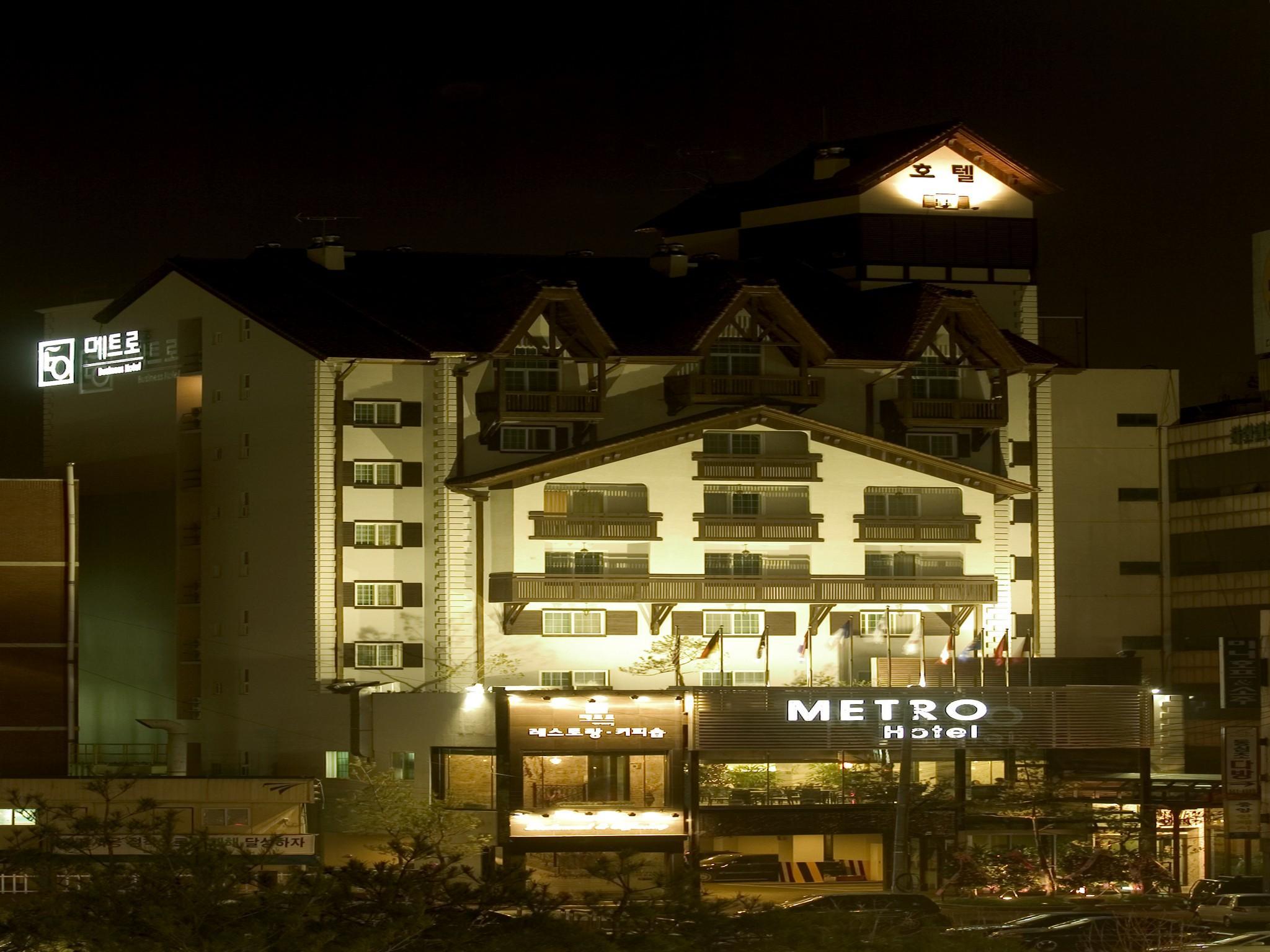 Metro Tourist Hotel Cheonan