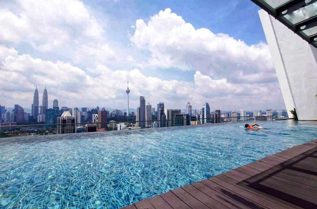 Regalia Suites KLCC Infinity Pool Comfort Homestay