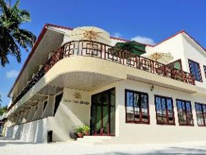 Sun Tan Beach Hotel at Maafushi
