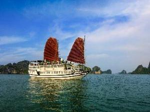 Carina Cruise Halong Bay