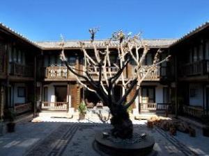 Lijiang Wutong Boutique Hotel