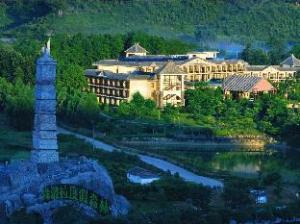 チンユアン シャンプーラ トゥーリズム ホリデイ フォレスト ホテル (Qingyuan Shampoola Tourism Holiday Forest Hotel)