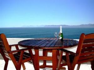 Kleinzee Oceanfront Guest House