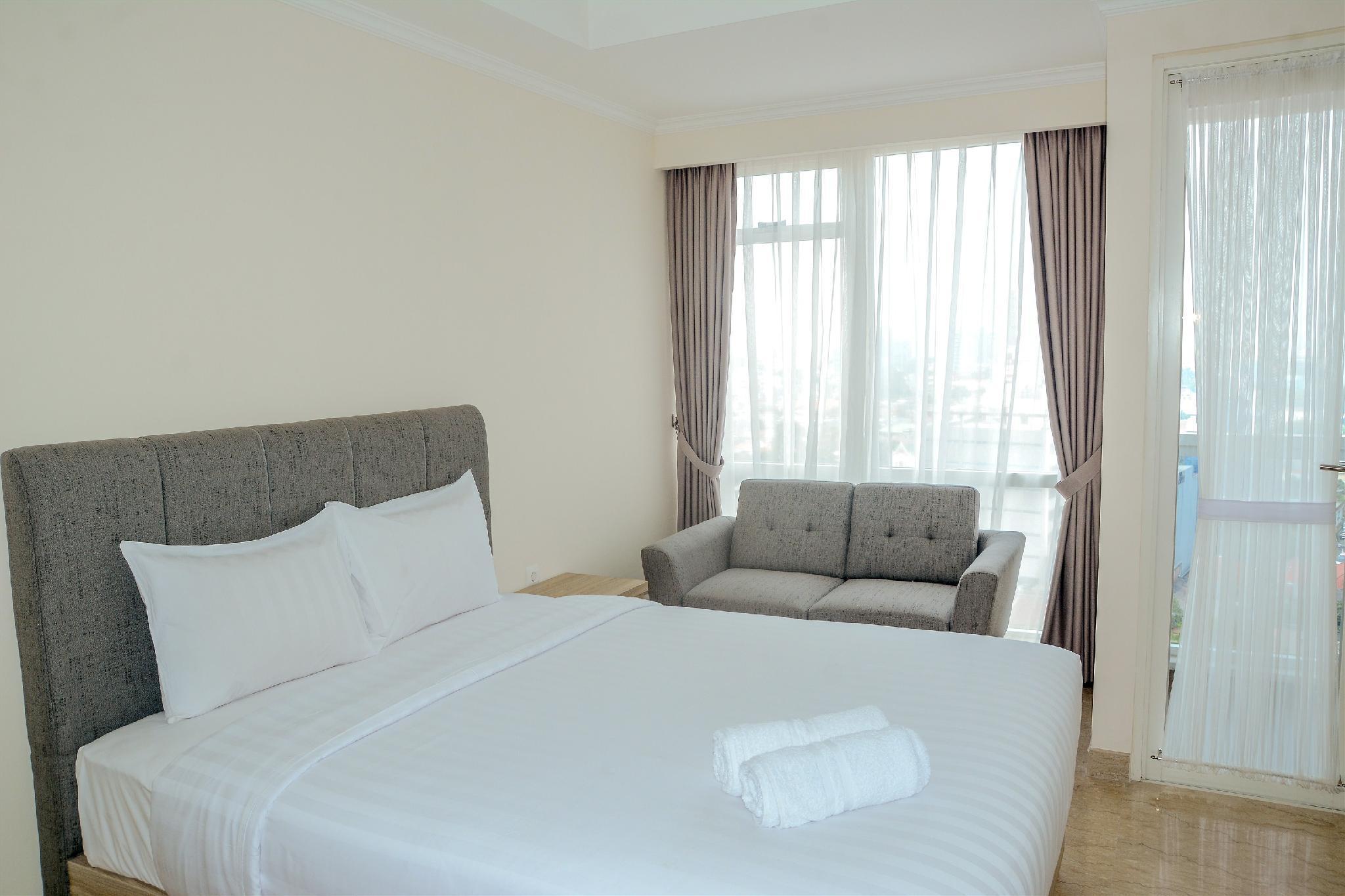 Elegant Studio Apartment @Menteng Park By Travelio