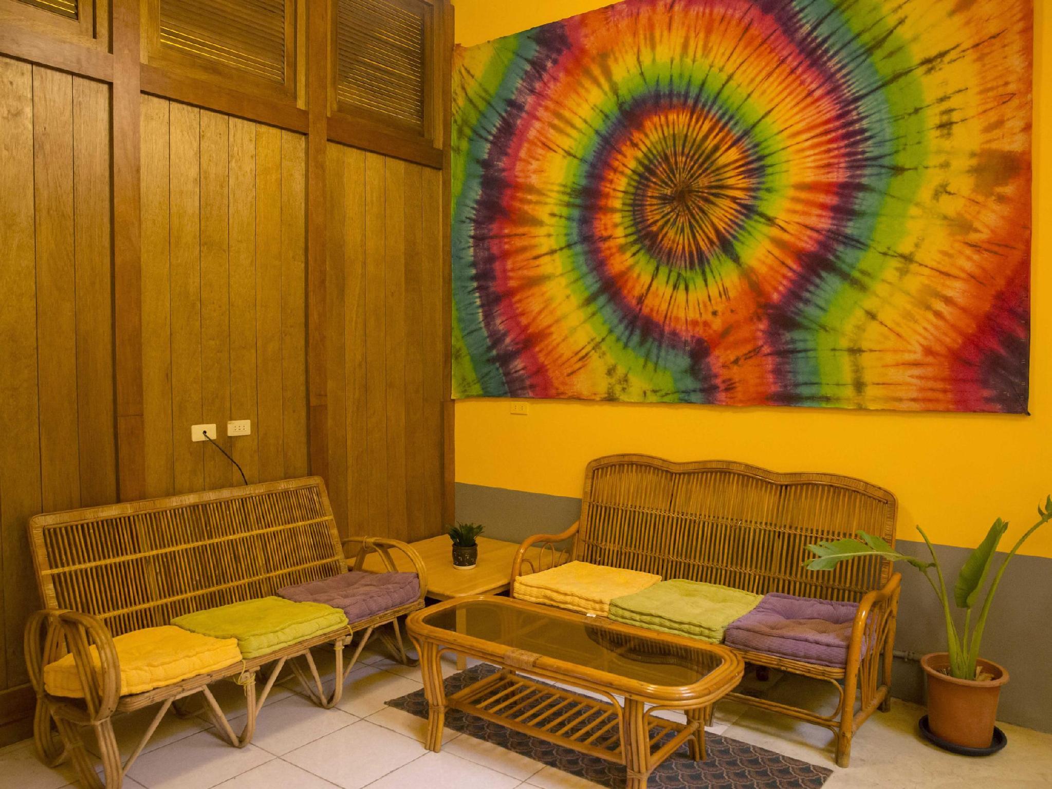 Rainbow Wave Surfing Hostel