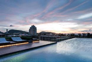%name The Deck luxury condo with Jacuzzi ภูเก็ต