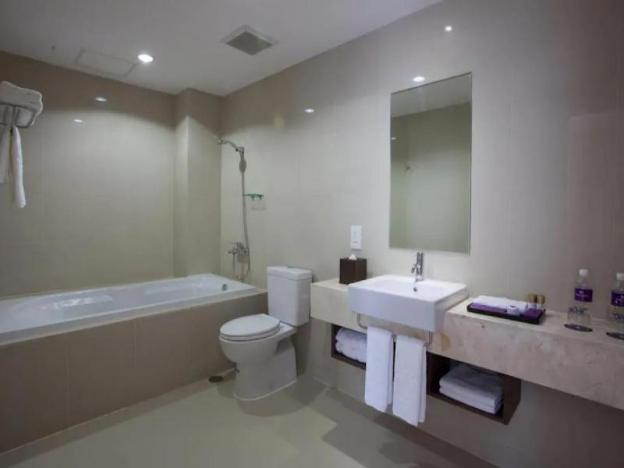 #192 Suite Room With Private Pool Close To Airport