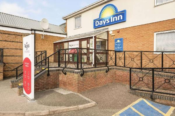 Days Inn by Wyndham Watford Gap Watford
