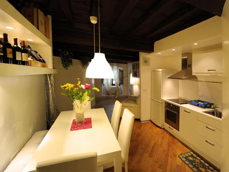 Cozy Apt At Florence's Focal Point