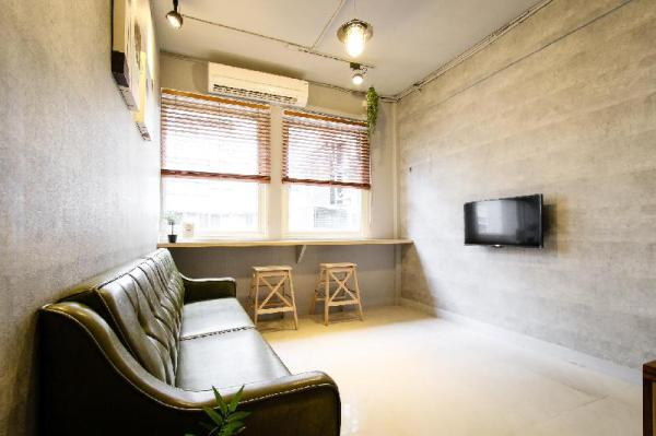 WHOLE HOUSE 2 ROOMS(1DOUBLE BED+2DOUBLE BED) Taipei