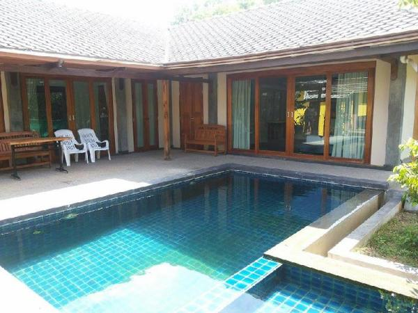 Siriburi Private Pool Villa Khanom