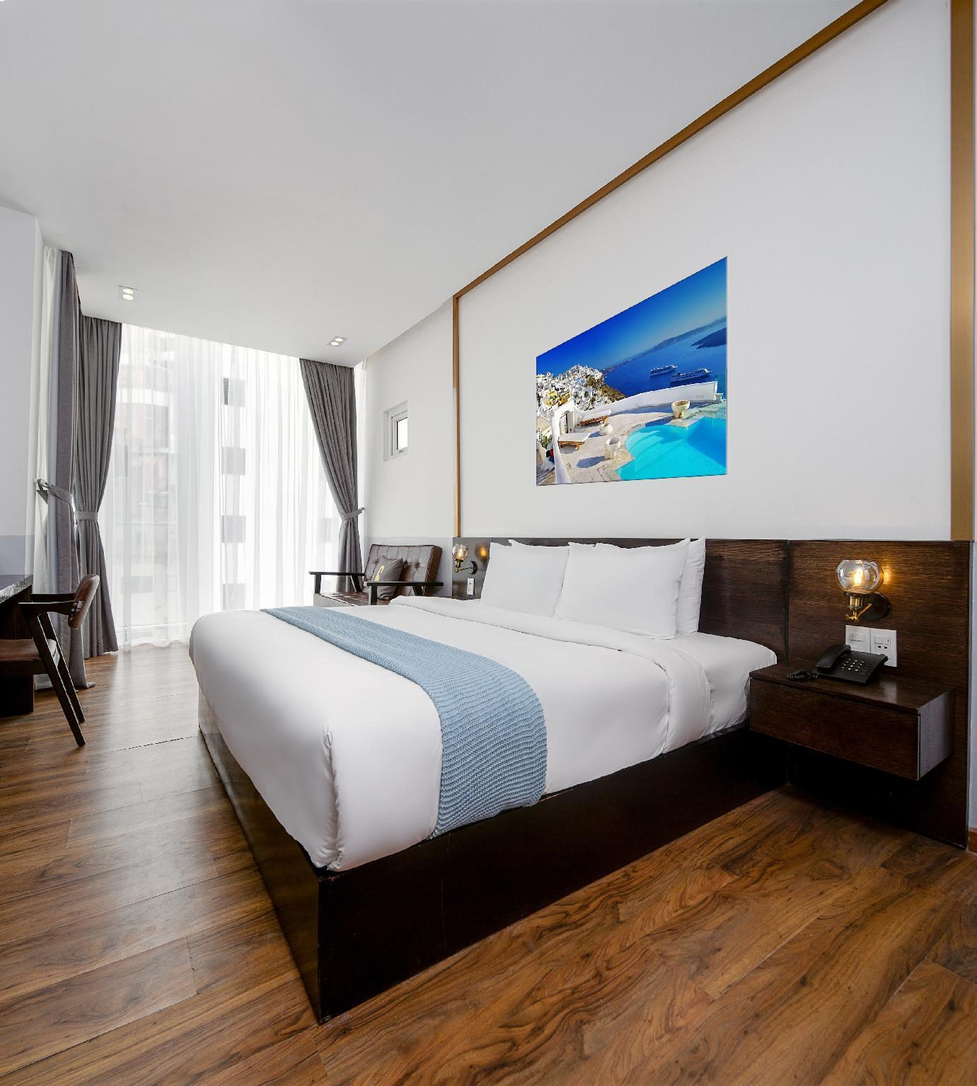 Chill Suites Danang  Beach Side