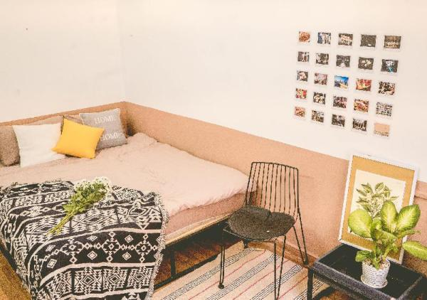 Summer homestay/ Studio with balcony in district 1 Ho Chi Minh City