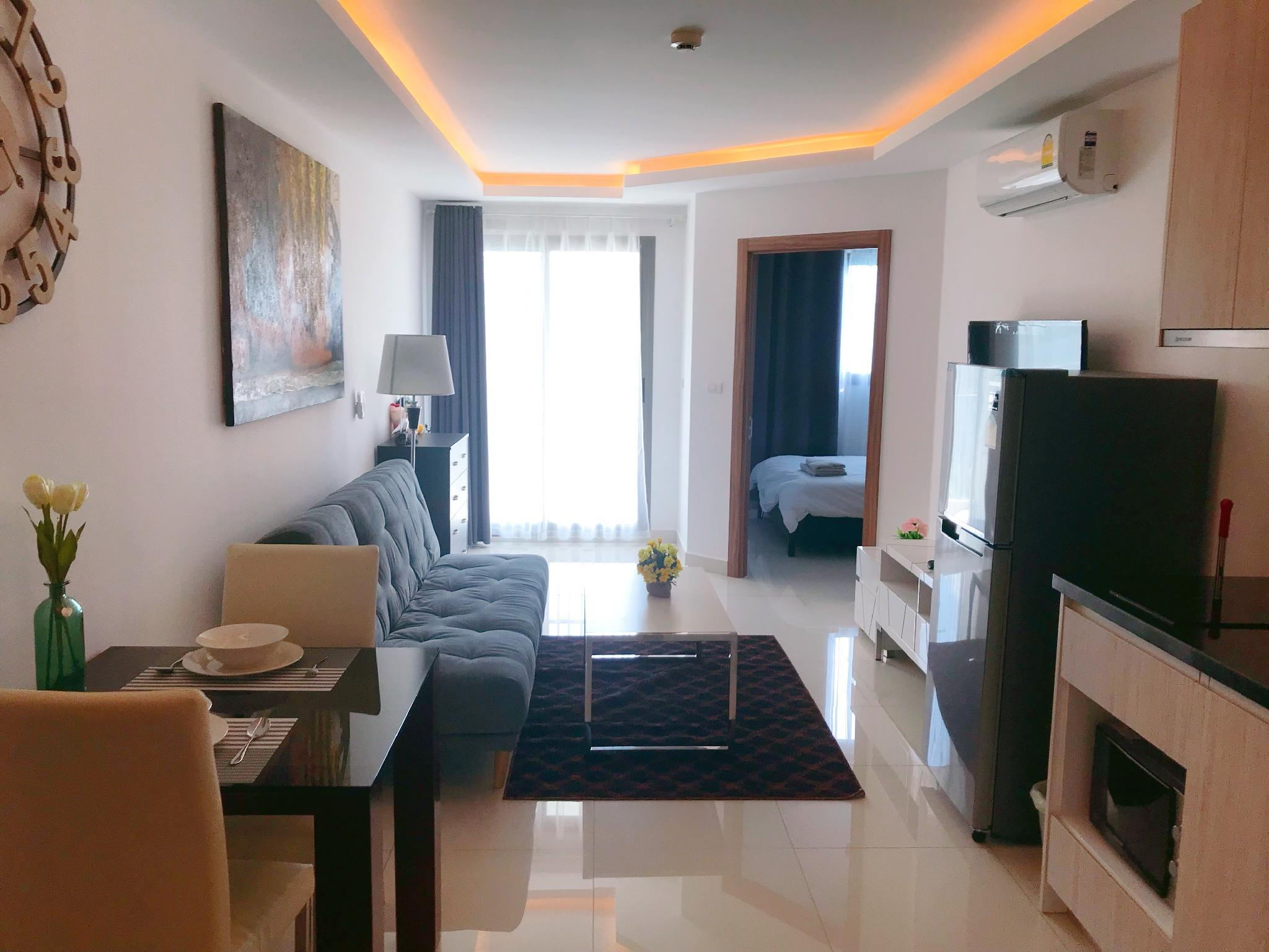 One Bed Room Laguan Beach Resort 3   Maldives