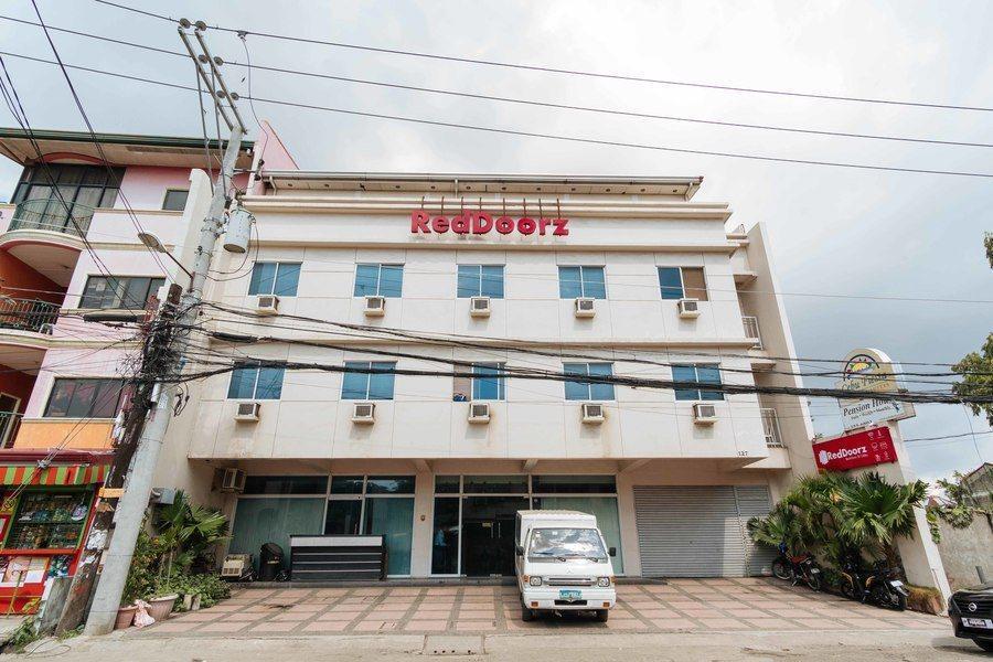 RedDoorz @ Bonifacio St Cebu