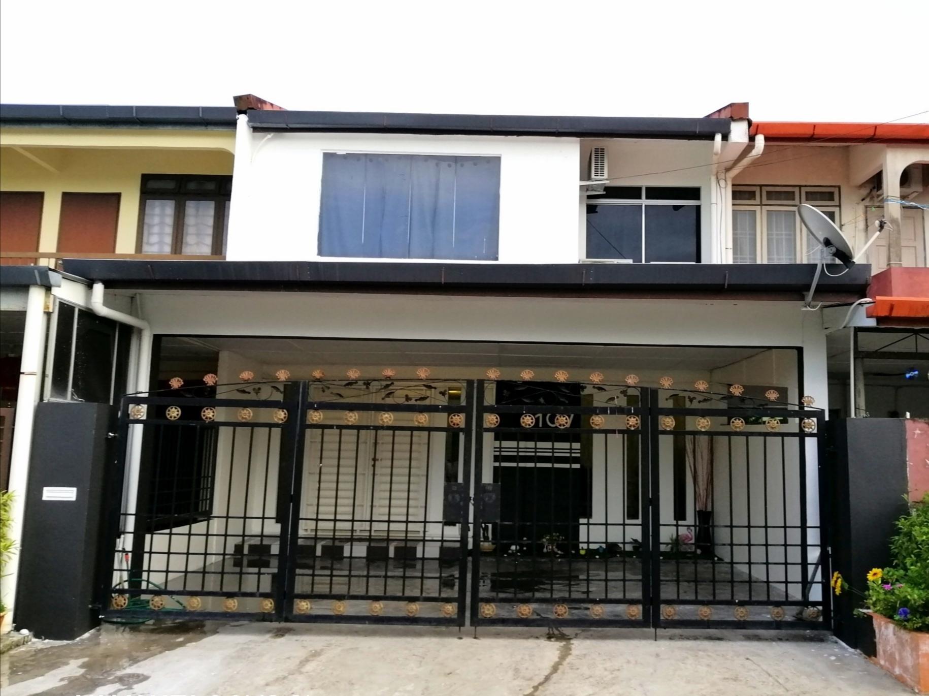 Stapok Homestay Kuching 4 Bedrooms