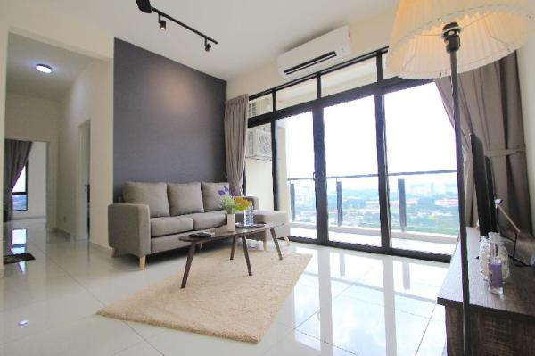 J.Dupion Cheras by Kyuka  3 bedrooms ,3 min to mrt Kuala Lumpur