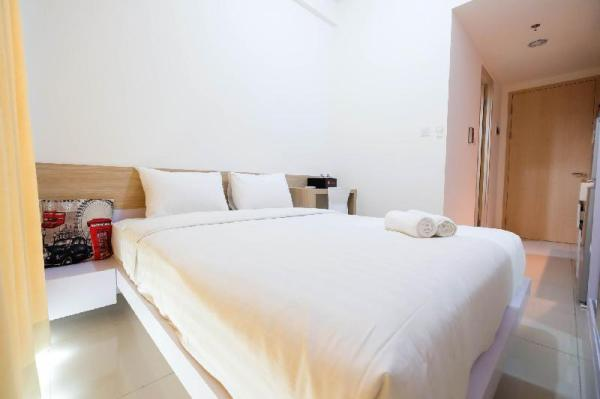 Cozy Studio Tree Park Apartment By Travelio Tangerang