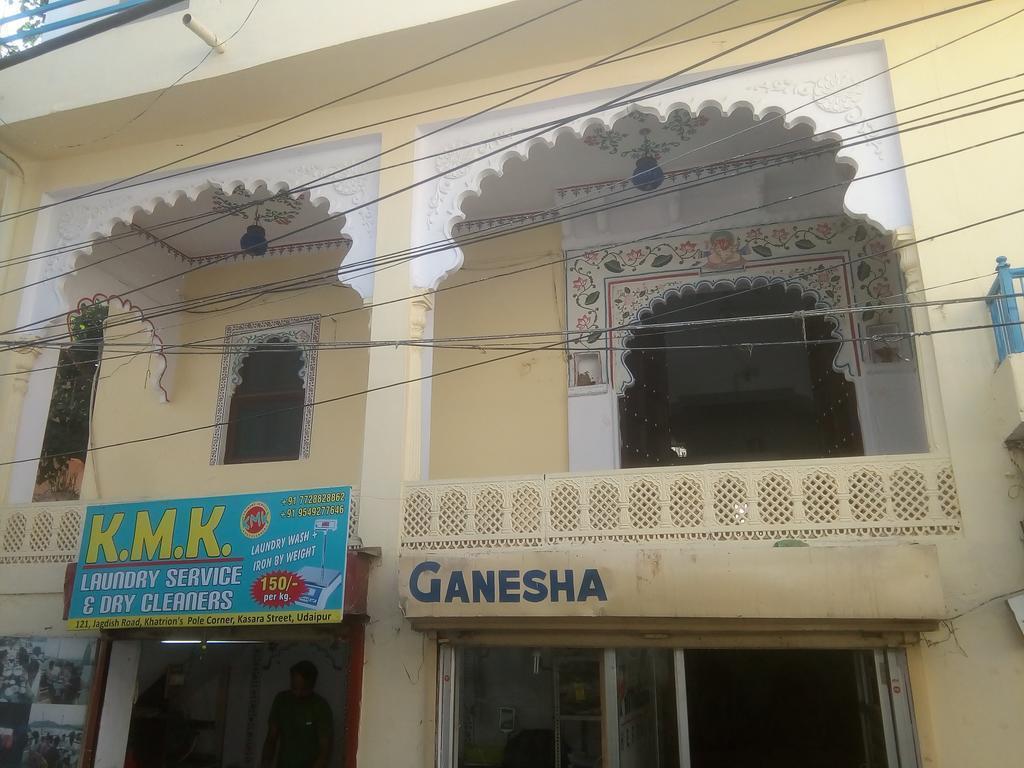 Ganesha Bunk Beds And Hotel