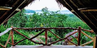picture 4 of Jungle Bar Cottages