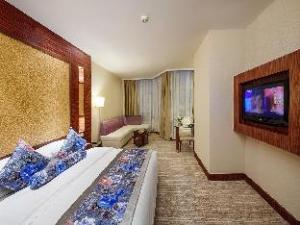 Grand Romance Hotel