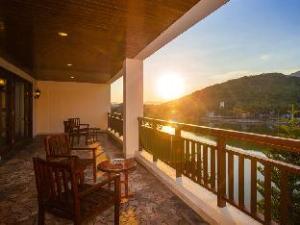 Yalong Bay Universal Resort