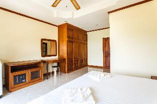 Vista Villa 2 - Sea view Patong house for 4 guests in quiet neighbourhood - 56395742