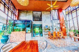 Corner Suite in resort near Night Bazaar - 28927209