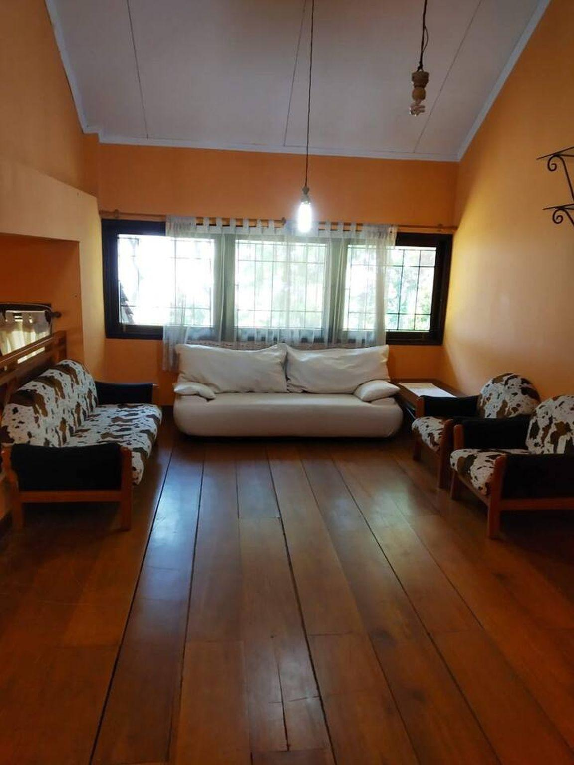 Emway 5 Bed Room Villa Kampung Daun