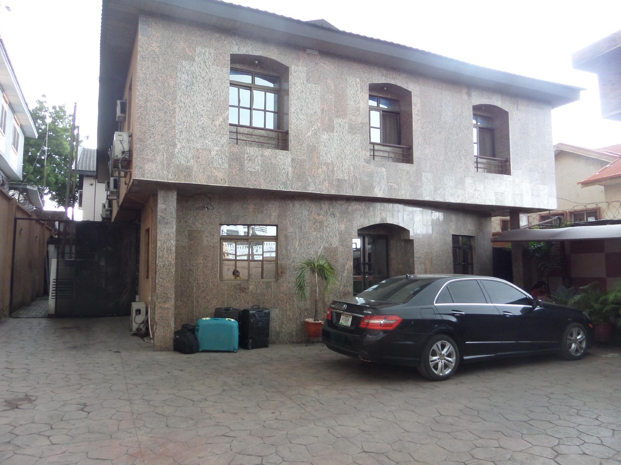 Elicris Place