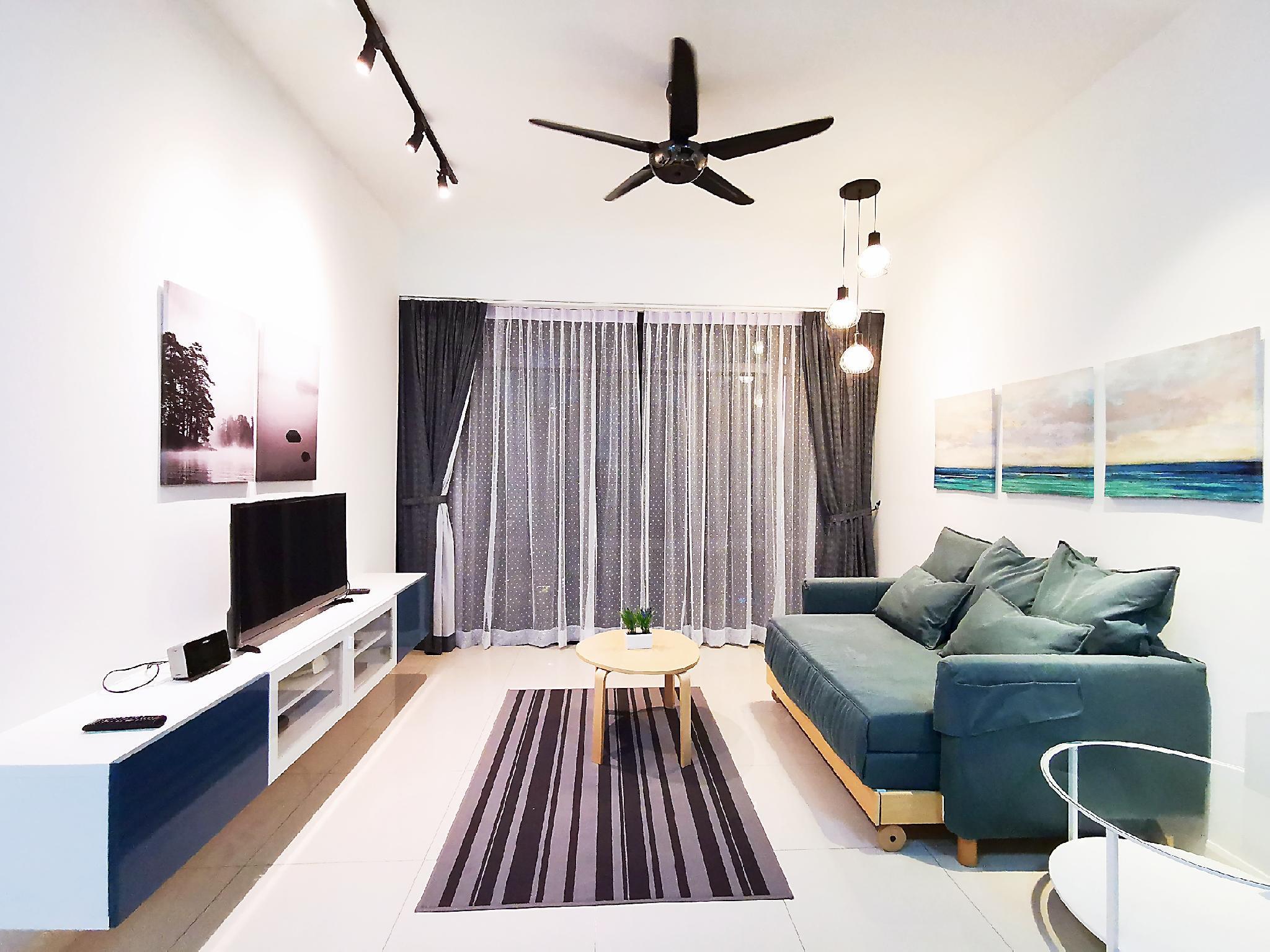Grand Medini WIFI  4Pax  B12 @ JB City Home