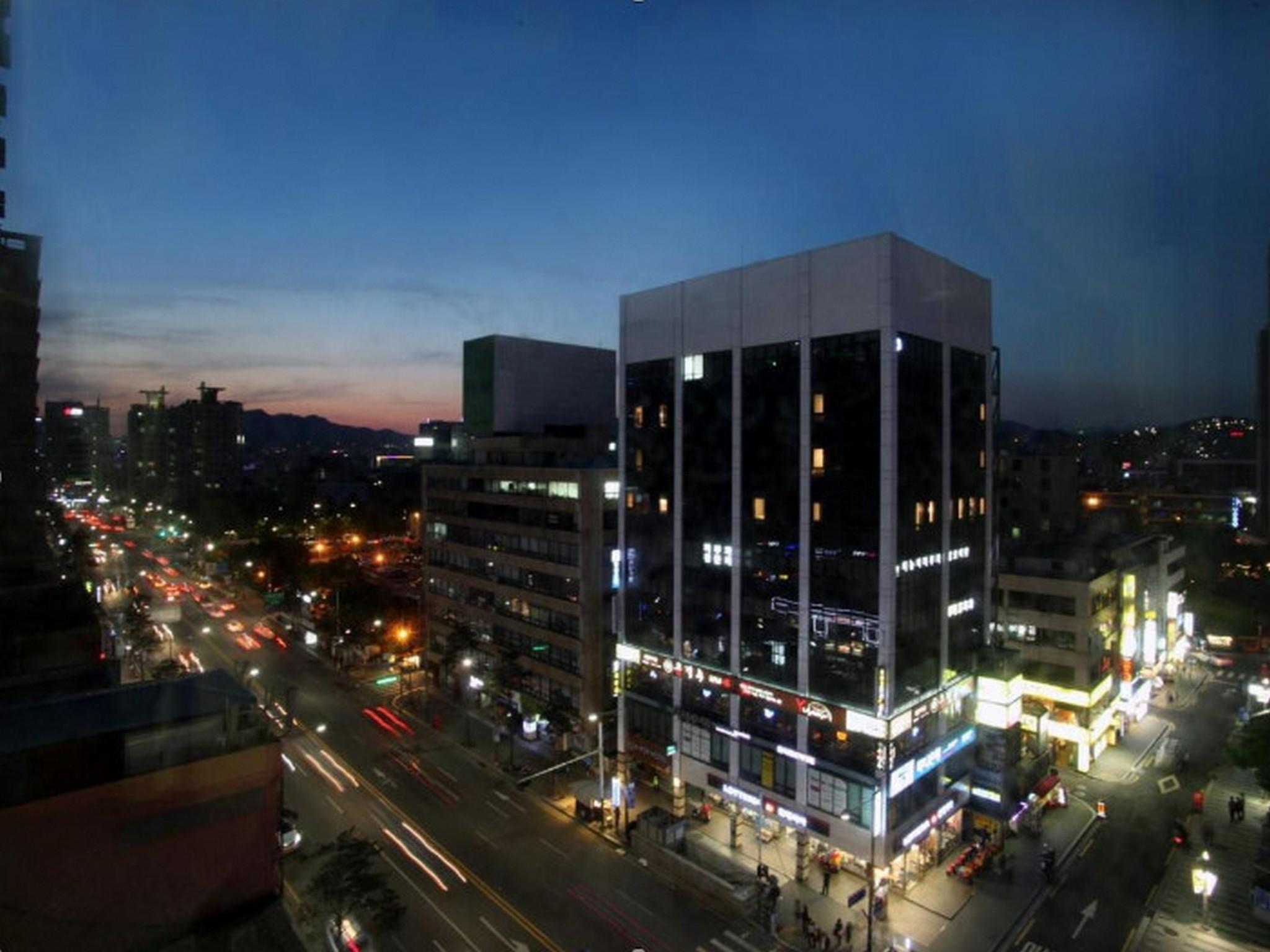 K Star Metro Hotel