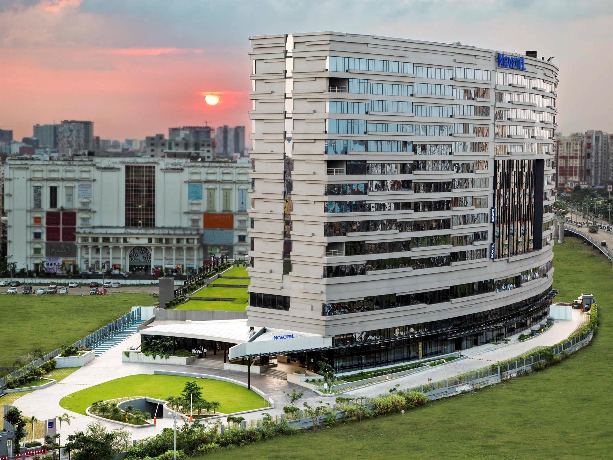 Novotel Kolkata Hotel And Residences   An AccorHotels Brand