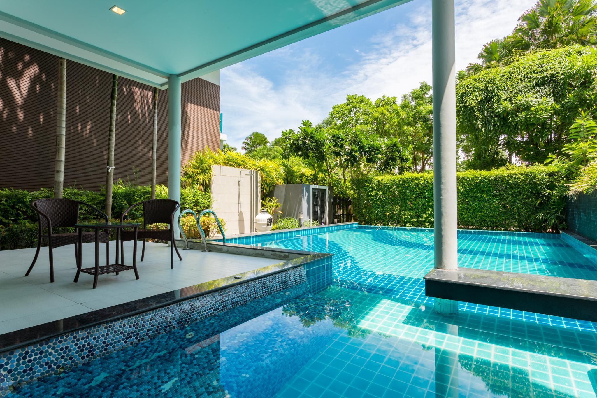 Luxury Private Pool Villa at Bang Saen, Chonburi Luxury Private Pool Villa at Bang Saen, Chonburi