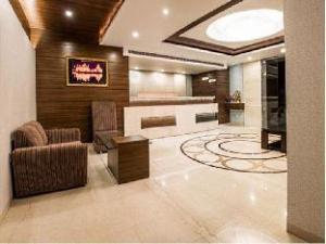 Hotel Narulas Aurrum