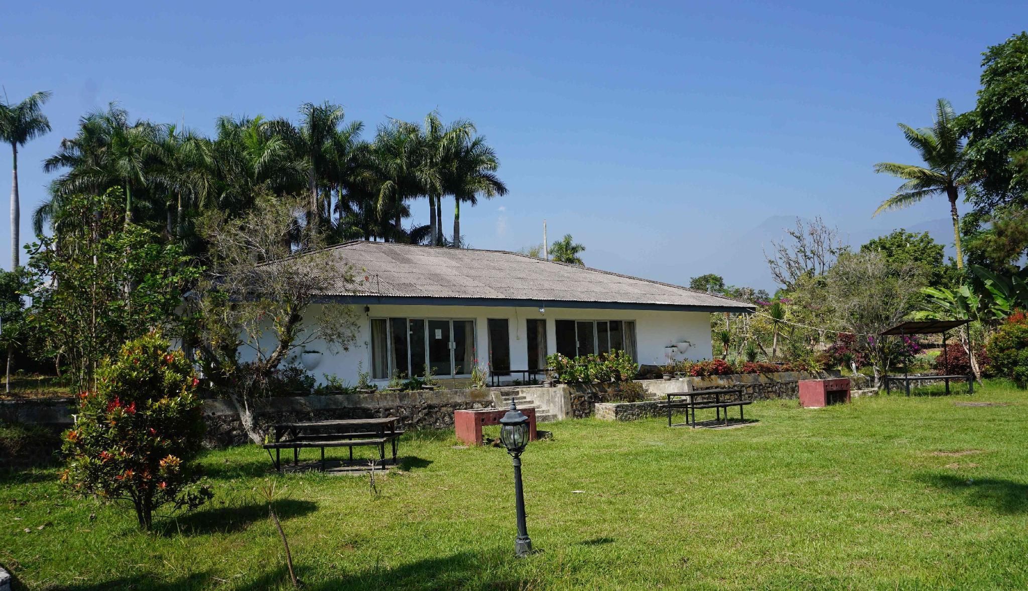 Mountain View Villa Cimacan Puncak
