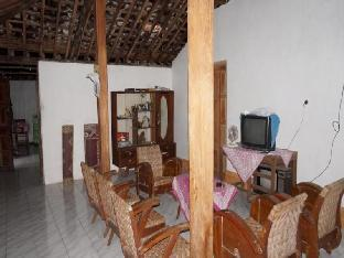 Orlinds Putri Guesthouse