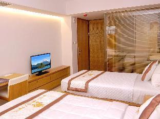 Khách sạn Golden Holiday
