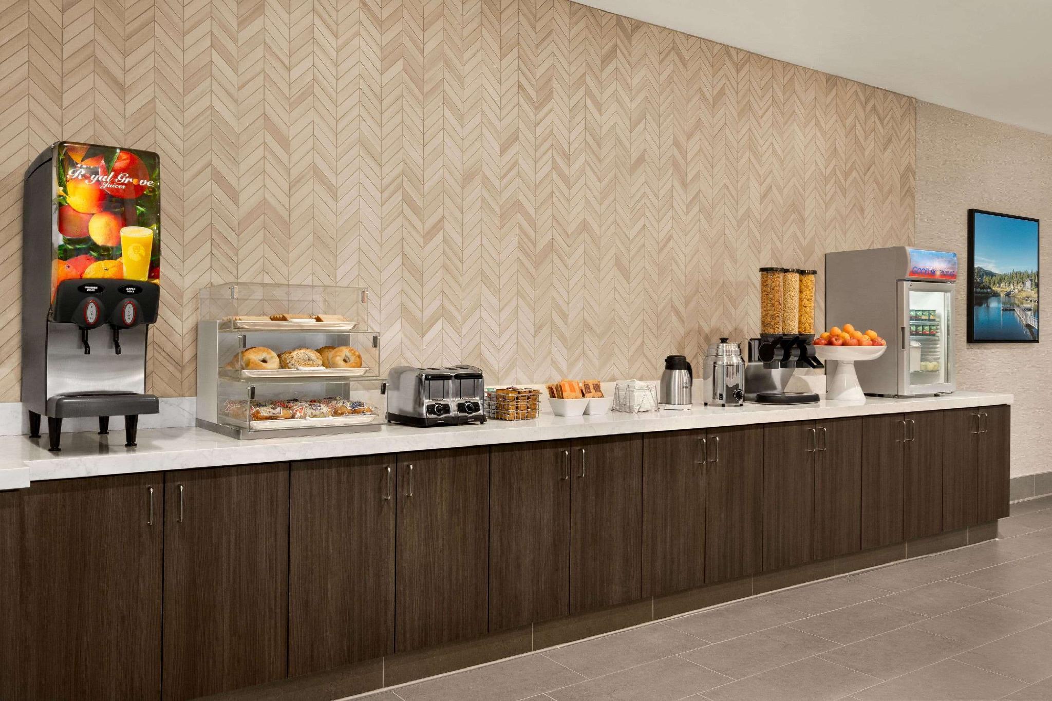 LaQuinta Inn And Suites By Wyndham San Bernardino
