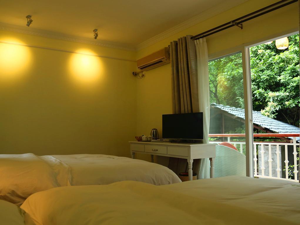 Yangshuo Hillside Garden Hotel