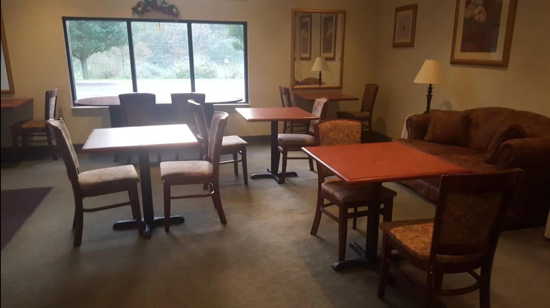 Americas Best Value Inn & Suites Independence VA