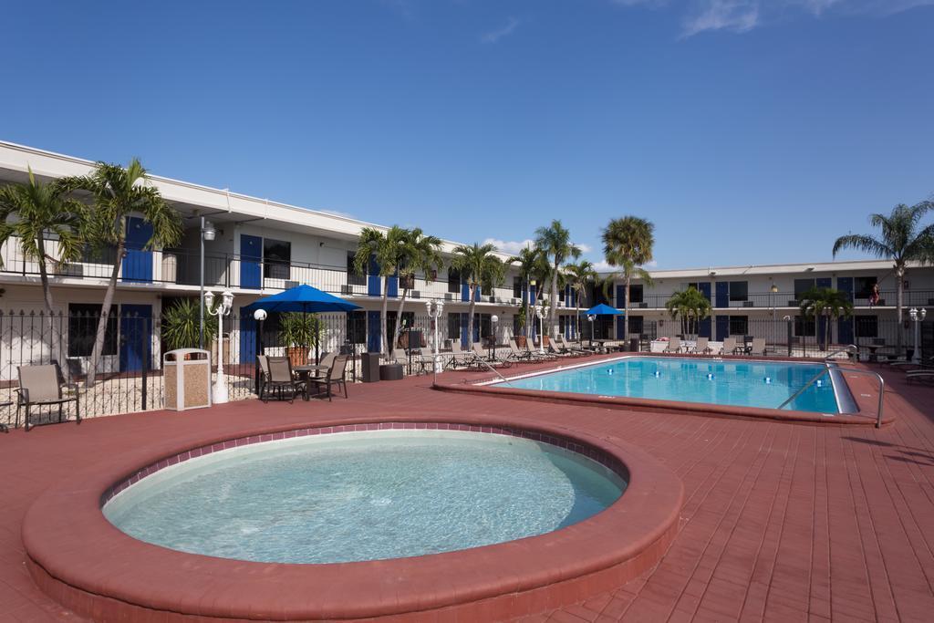 Days Inn By Wyndham St. Petersburg   Tampa Bay Area