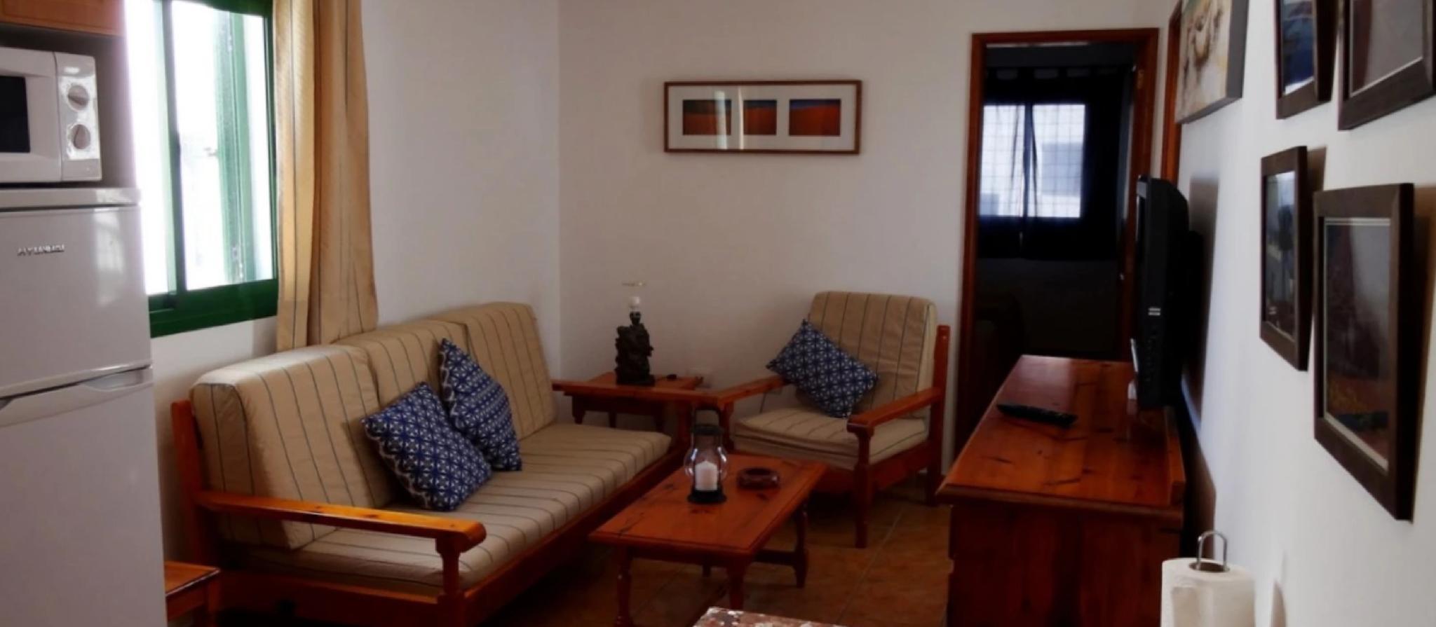 105762   Apartment In Caleta De Famara