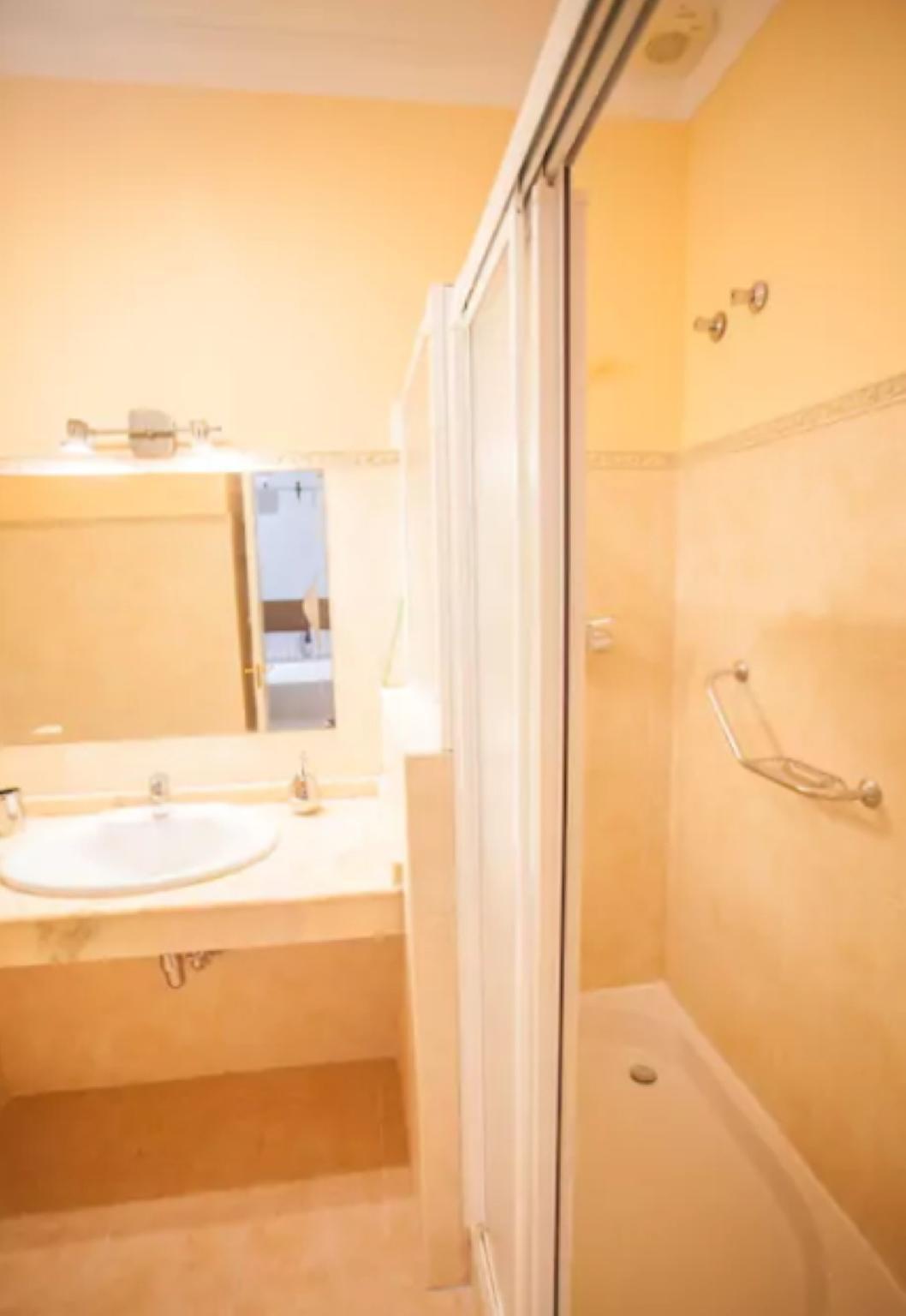 105076    Apartment In Mlaga