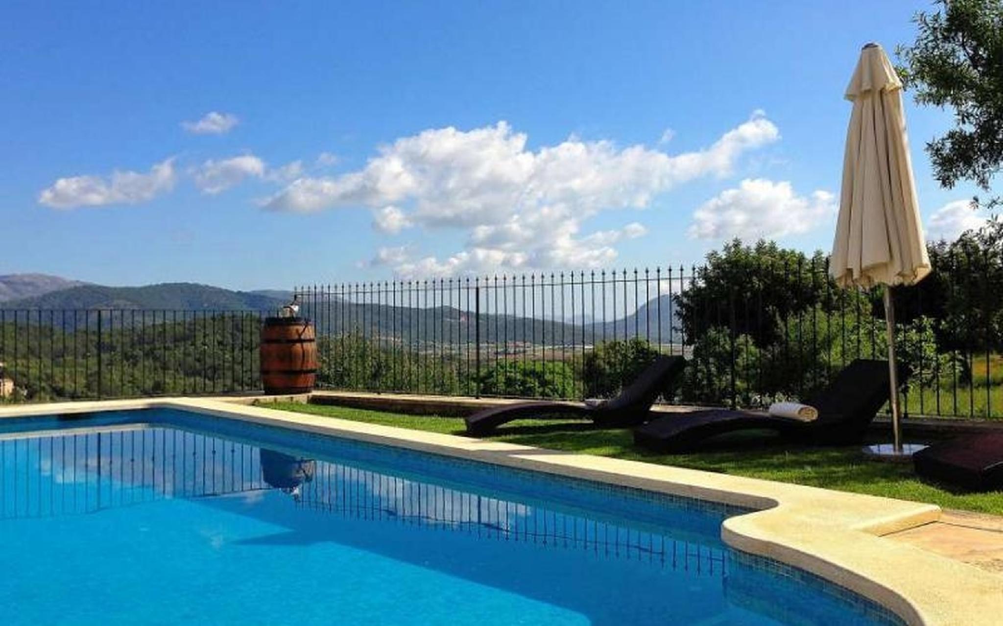 102134   Villa In B�ger