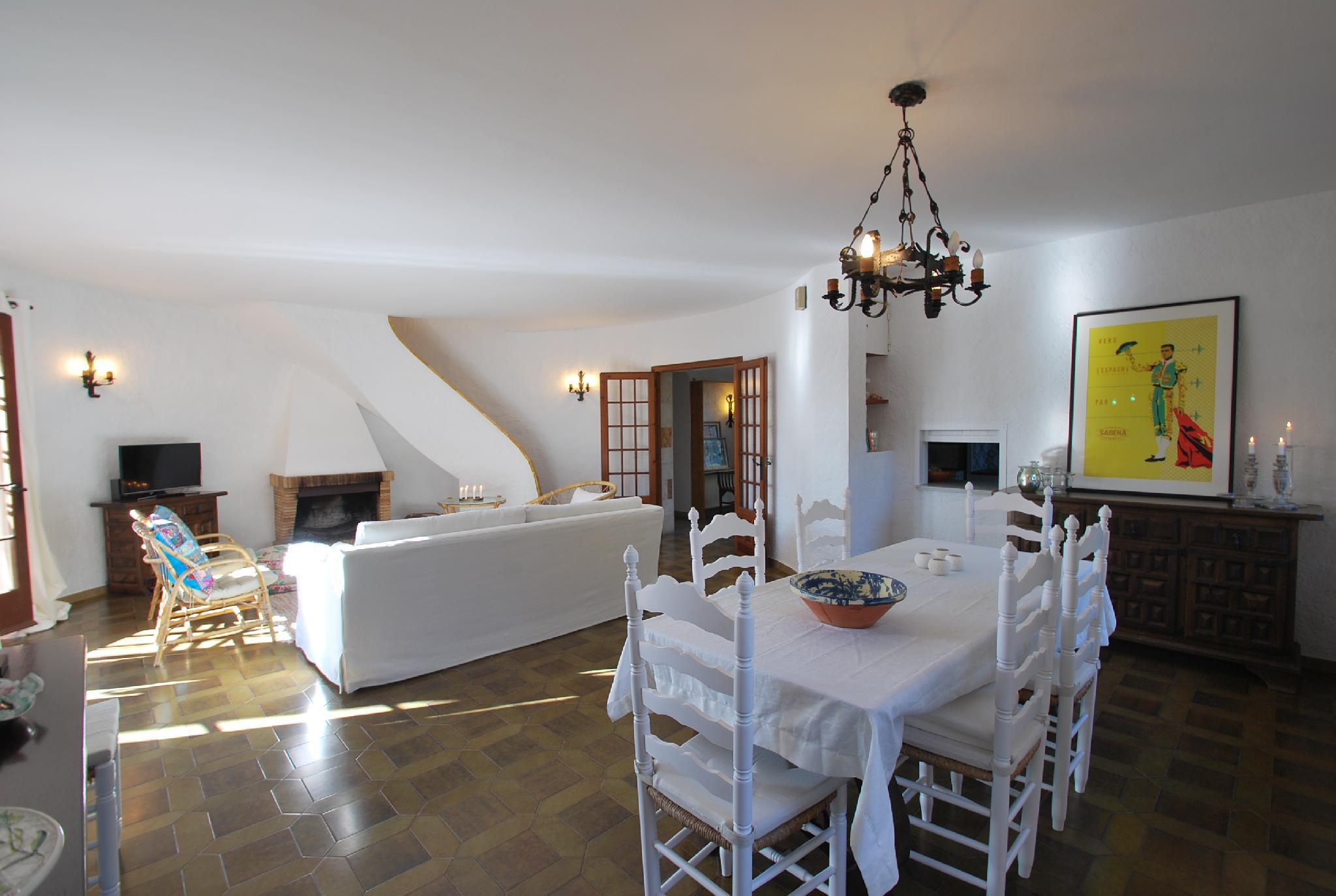 106590   House In Begur